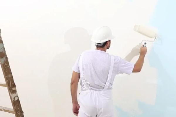 رنگ آمیزی در بازسازی خانه